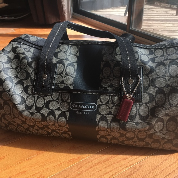 8e575ddcf2 Coach Handbags - Coach Classic Leather Weekender Duffel Bag